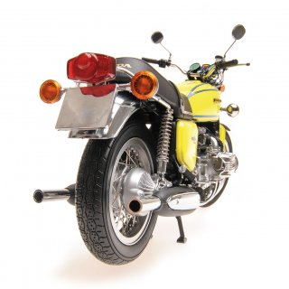 Honda Goldwing GL1000 yellow